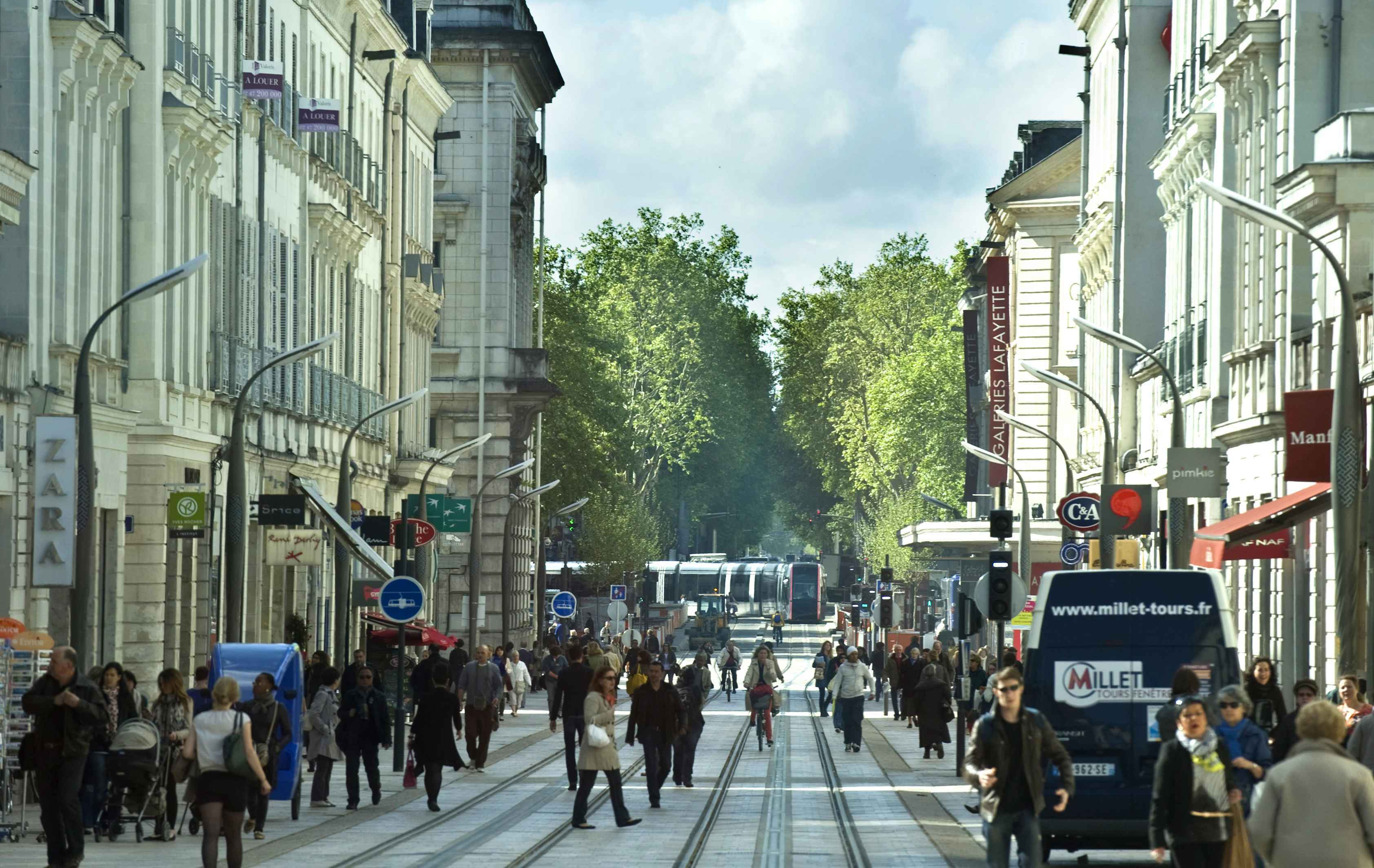 TOURS_rue_nationale_tours